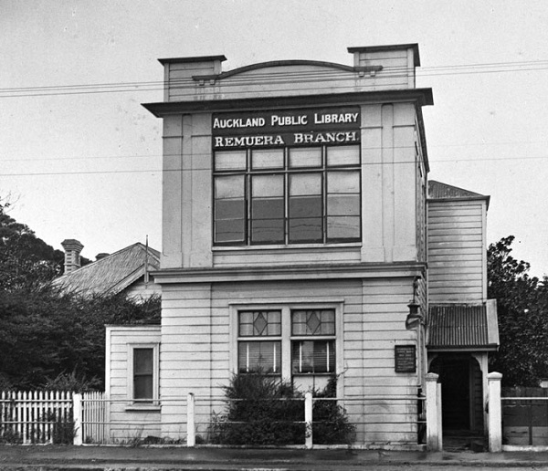 Heritage Plaque First Remuera Library